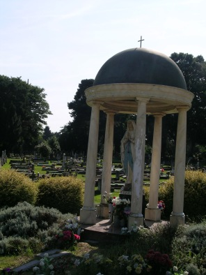 new-southgate-crematorium-and-cemetery_2874473483_o