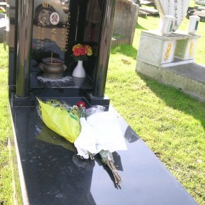 new-southgate-crematorium-and-cemetery_2875289904_o