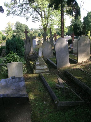 new-southgate-crematorium-and-cemetery_2875295104_o