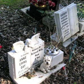 new-southgate-crematorium-and-cemetery_2875299794_o