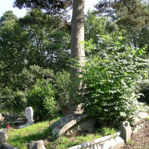 new-southgate-crematorium-and-cemetery_2875304908_o