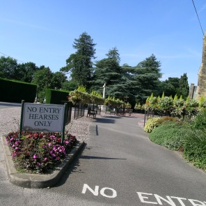 new-southgate-crematorium-and-cemetery_2876825196_o